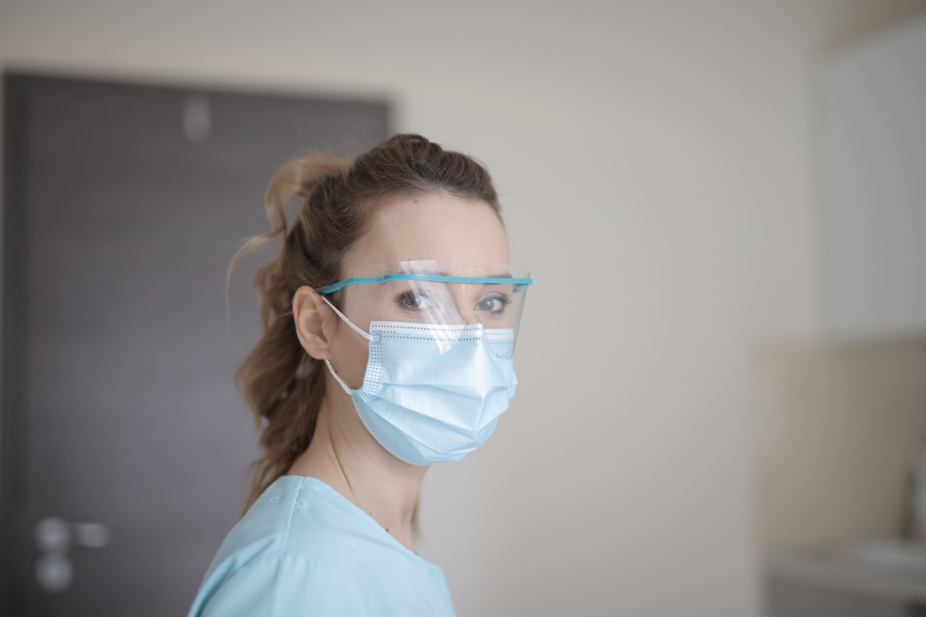 How to Prevent Coronavirus and Face Mask Use Tips
